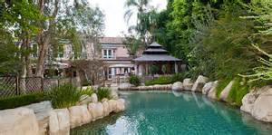 house with a moat a moat is the luxury home requirement in california
