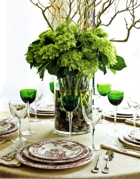 beautiful table settings green and brown beautiful christmas table setting ideas