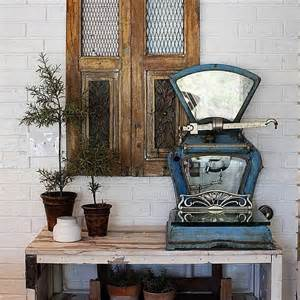 Joanna Gaines Home Design Ideas by Vintage Decorating Ideas From Joanna Gaines Popsugar Home