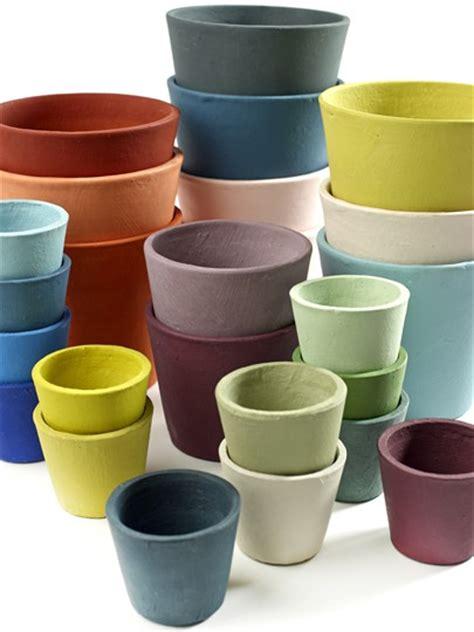 vasi terracotta colorati oltre 1000 idee su vasi colorati su vaso