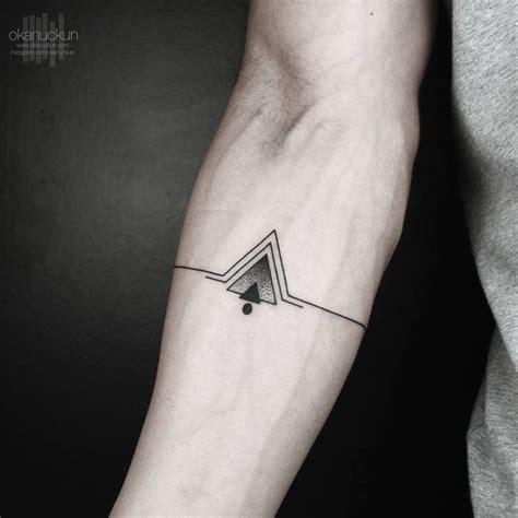 tattoo geometric uk the 25 best ideas about triangle tattoos on pinterest