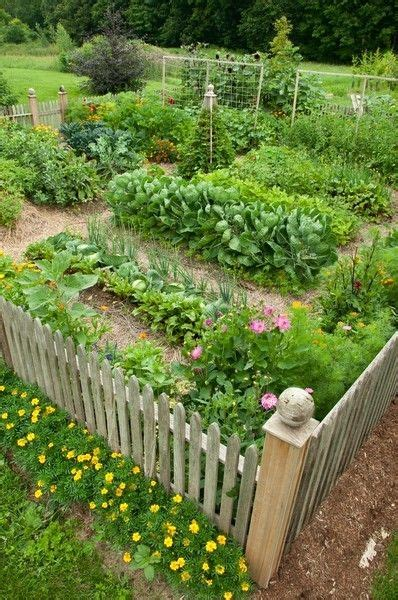 Kitchen Garden Ideas A Lovely Enclosed Kitchen Garden Garden Ideas Pinterest Vegetable Garden Gardens And Fence