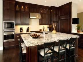 Kitchens With Dark Brown Cabinets Best 10 Brown Cabinets Kitchen Ideas On Pinterest Brown
