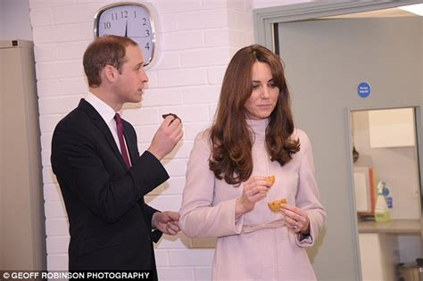 Bucklebury Middleton House by Kate Middleton Pregnant Prince William S Smile That Says