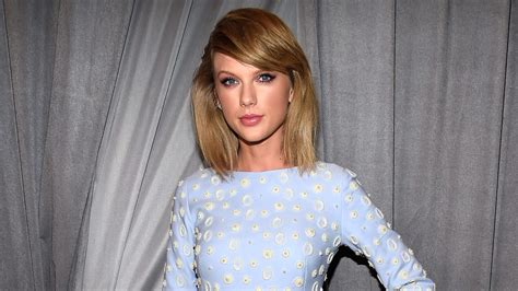 Style Of Homes by Taylor Swift Is Reportedly Building A Wall Around Her