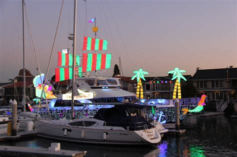 how to watch newport beach boat parade watch the newport beach christmas boat parade from a duffy