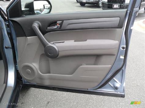 2008 honda crv ex door panel 2008 honda cr v lx gray door panel photo 42254090