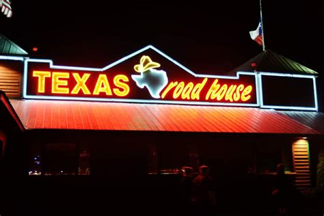 Where Can I Buy Texas Roadhouse Gift Cards - top 10 best last minute valentine s day gifts for him heavy com