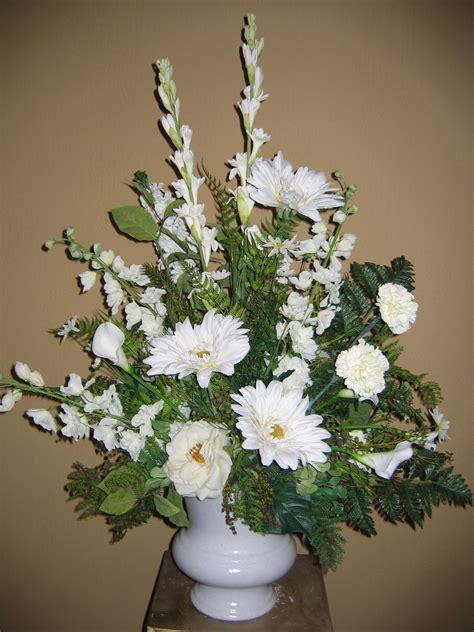 funeral flowers courtyard designs