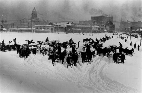 report of chicago of march 15 1922 embracing c b and q r r co office building atlantic and springer buildings and others classic reprint books wagons unload snow removed from denver streets after a