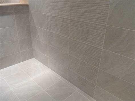 Light Grey Bathroom Wall Tiles 1m 178 Of 25x50cm Ditto Light Grey Bathroom Ceramic Wall Tiles Ebay