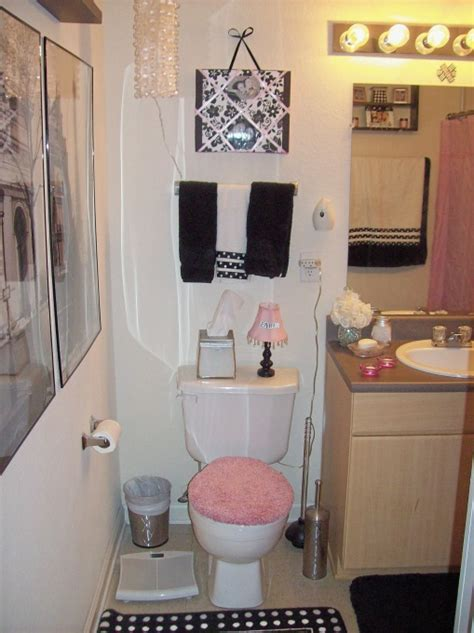 college bathroom ideas pinkhoneybeee college apartment bedding bath ideas
