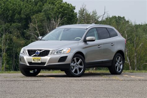 quick drive 2012 volvo xc60 t6 awd winding road