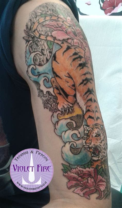 tatuaggi tribali fiori pi 249 di 25 fantastiche idee su tatuaggi di fiori sul