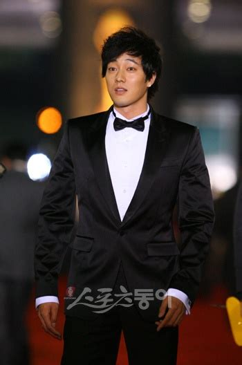 so ji sub look alike celebrities with similar looks and styles soompi