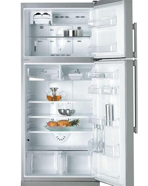 Freezer Untuk Es masiyanie mencairkan es yang menggumpal di freezer