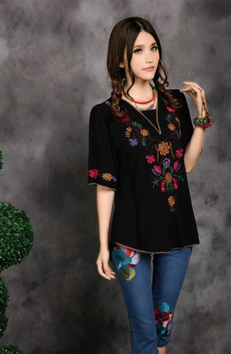 Blouse Kasual Ethnic Asyavias vintage 70s mexican ethnic flower embroidered casual