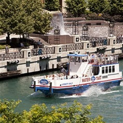 chicago boat tours with alcohol shoreline sightseeing chicago il united states water