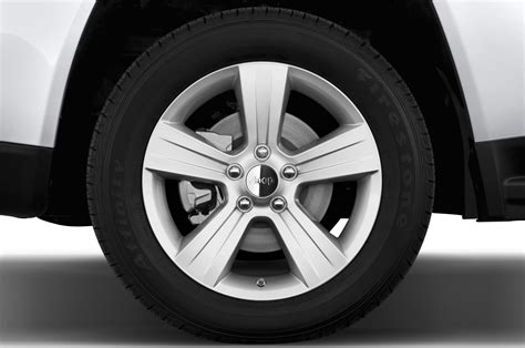 Jeep Compass Black Rims 2014 Jeep Compass Reviews And Rating Motor Trend