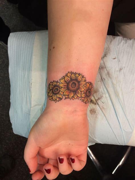 24 Warm Sunflower Tattoo Designs
