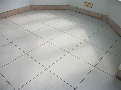 Floor Tiles With Grey Grout by What Grout Colour To Use Creative Tiles And
