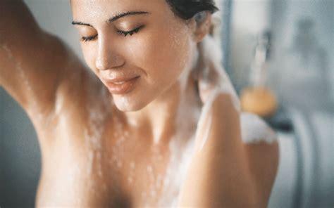 sotto la doccia e tu cosa fai sotto la doccia silhouette donna