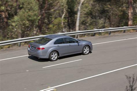 medium car comparison mazda 6 v toyota camry v honda