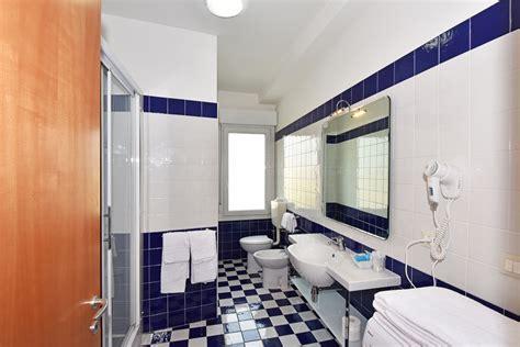 live bathroom cam live bathroom cam 28 images peeping into 73 000 unsecured security cameras via