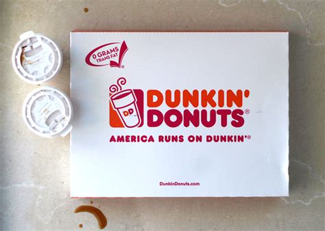 Box Of 10 Dunkin Donuts Dunkin Donuts Santa Bakery Cafe The Dos And