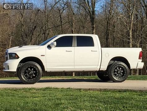 2014 ram 1500 lift 2014 ram 1500 fuel krank country suspension lift 4in