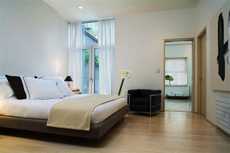 a modern new york city loft decoist smart new york city townhouse renovation breezy modern design