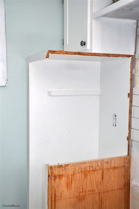 how to remove a kitchen cabinet how to remove a kitchen cabinet 28 images cabinet door