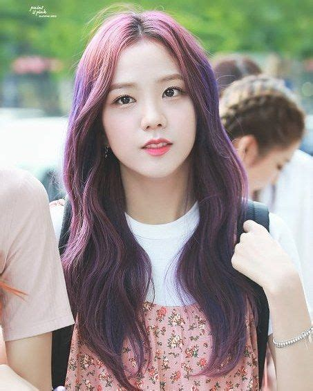blackpink jisoo rambut warna warni gaya rambut warna