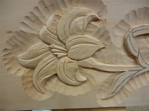 leaf pattern wood carving marc adams intro to relief carving class mary may
