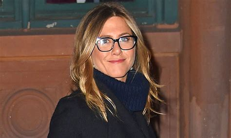 Jennifers Rep Confirms Nose by Aniston S Rep Confirms Viral Story About