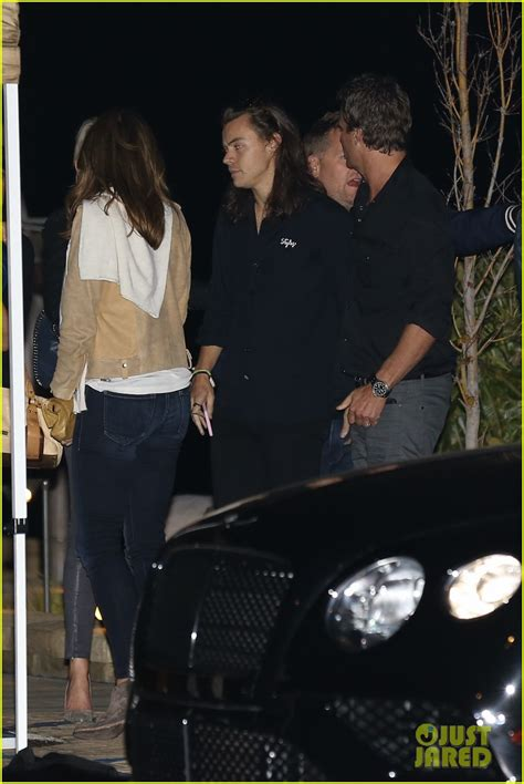 kendall jenner and harry styles were spotted eating together at a kendall jenner harry styles spotted shopping together