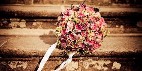 welche blumen blühen im september eine hochzeit im herbst mit blumen floraqueen
