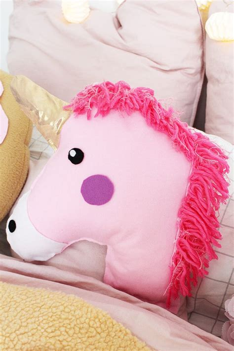 Kissen Pastell by Best 25 Unicorn Pillow Ideas On Unicorn