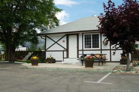 two bedroom cottage rosedale motel in summerland bc two bedroom cottage