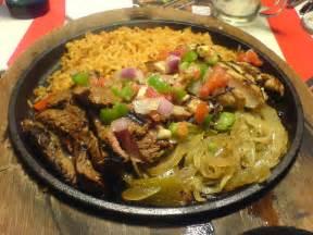 Tex Mex File Flickr Elisart 324248450 Beef And Chicken Fajitas