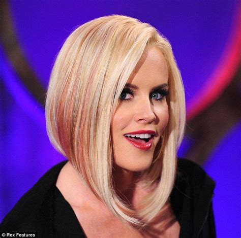 jenny mccarthy view dark hair cropped jenny mccarthy revealed a pink streaked