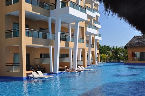 el dorado seaside suites swim up room new swim up building picture of el dorado sensimar riviera aventuras tripadvisor