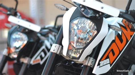 Ktm Duke 200 White And Black Ktm Duke 200 White Hd Wallpapers