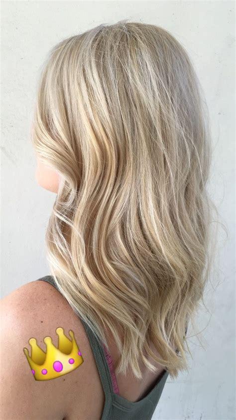 medium brown hair with platinum blonde highlights platinum blonde hair highlights light blonde hairstyle