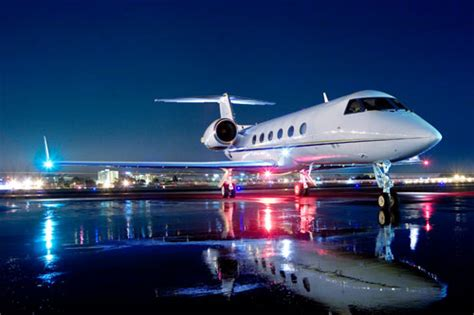 luxury private jets top 10 super luxury private jet aircraft