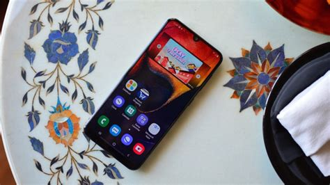 samsung galaxy a50 review samsung s best mid range option