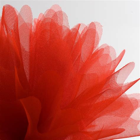 red peaked edge organza tulle nets favour this