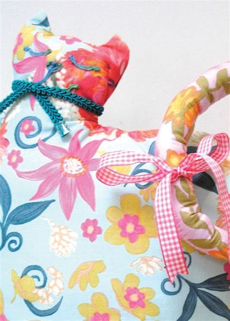 free sewing pattern cat doorstop free doorstop patterns tweed chicken doorstop tweed