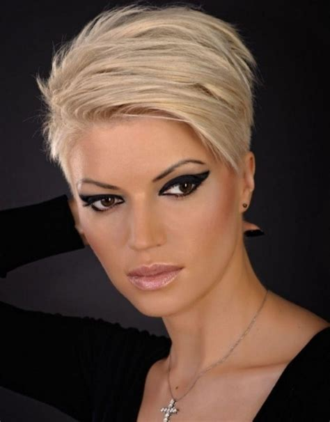 hair styles receding hair oval face top 10 short hairstyles for thinning hair and round face