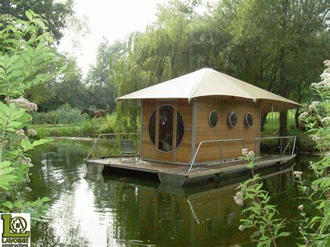 small round boat dan word cabane bois zenzeyos boats pinterest house floating